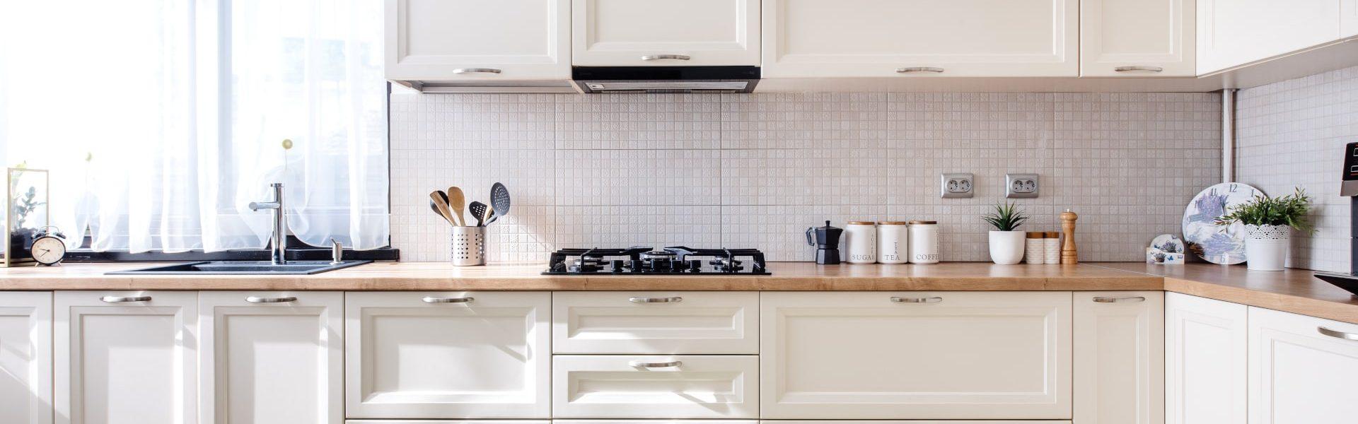 modern-kitchen-interior-design-with-white-furnitur-PBQMF5X-min
